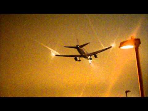 London Heathrow Airport / Night Landings