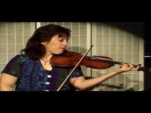 Violin Lesson - Demonstration of slurs -
