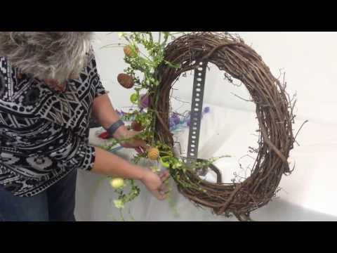 How to Make a Easter-Themed Grapevine Wreath