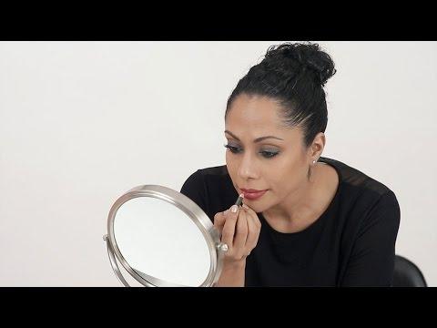 How To Wear The Smokey Eye & Bold Lip Right - Makeup Basics - Glamrs