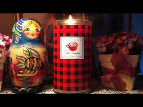 Kringle Candle Review: HOT CHOCOLATE