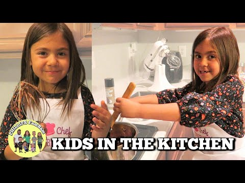HOW TO MAKE SALTED CARAMEL TWIX BROWNIES | SHE DID IT FOR THE FIRST TIME | KIDS IN THE KITCHEN