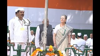 Watch: Sonia Gandhi hoists tricolour at Congress headquarters