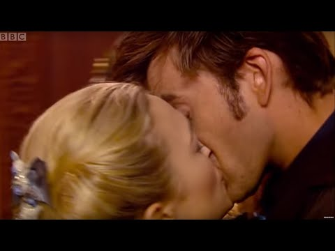 Xxx Mp4 The Doctor Gets Snogged By Madame De Pompadour The Girl In The Fireplace Doctor Who 3gp Sex