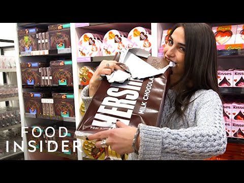 Big Candy Bars At Hershey's Chocolate World