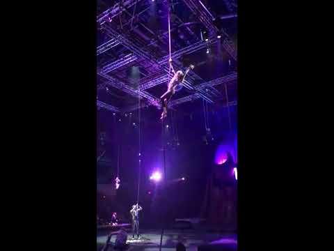 Lindsey performing in Spanish Web 2k17 | Dance circus Me