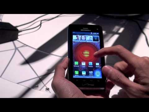 Tinhte.vn - Trên tay Motorola Droid 4