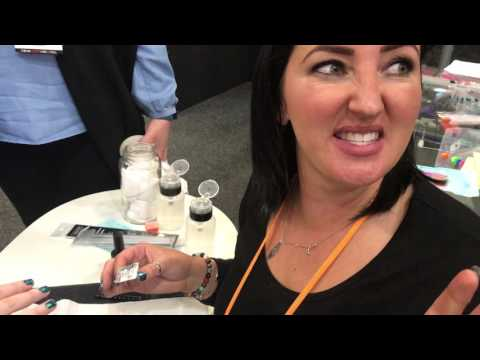 Glitter gel nail demo with Leah Light
