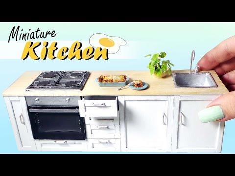 Miniature Kitchen Tutorial // Dolls/Dollhouse DIY