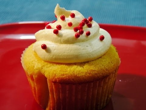 Eggless Vanilla cupcake (with Butter Cream Icing)