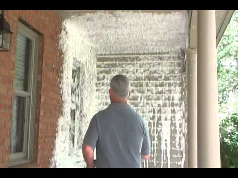 Pressure Washer Foam Cleaning a Vinyl, Concrete and Brick Porch with Fohmer