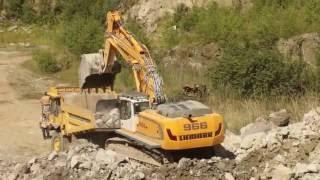 Liebherr R966 loading Komatsu HD405