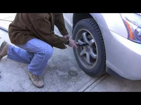 How to loosen a stuck bolt by using a torque multiplier