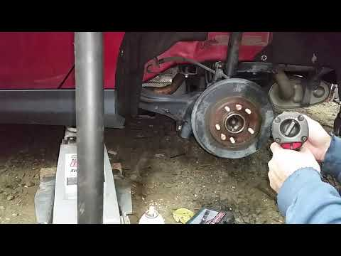 How to Remove A Rear Brake Drum on A Ford Focus