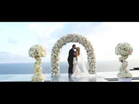 Sanctus Villa   Uluwatu Cliff Wedding   Wedding Fireworks  Victoria & Jay  Bali Wedding Butler