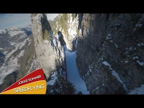 Speedflying through a narrow crack with Jokke Sommer
