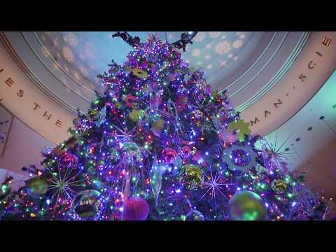 Christmas Around the World and Holidays of Light 2017