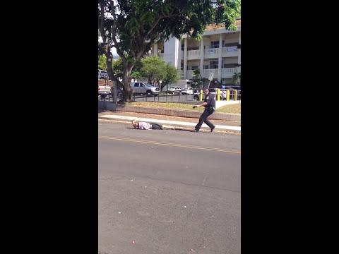 Policial usa Taser para imobilizar suspeito em fuga