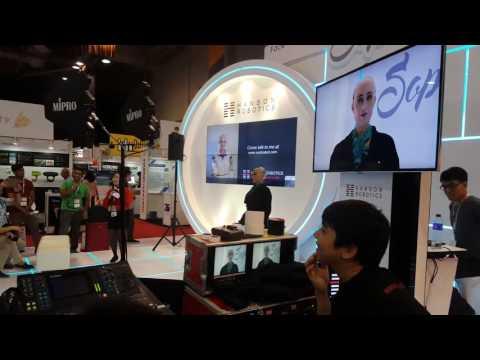 Talking Robot at Hong Kong Global Sources Conference 2016