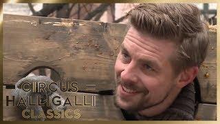 Aushalten: Wer hält länger am Pranger aus? | 2/2 | Circus Halligalli Classics | ProSieben