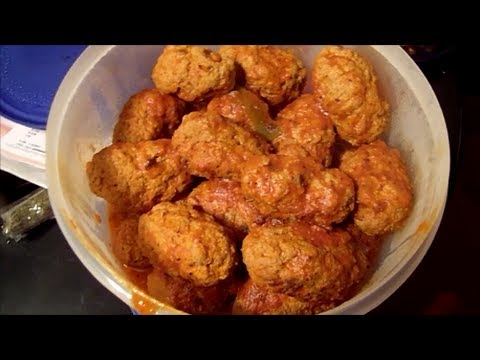 How to make homemade stuffed Italian meatballs, authentic and simple