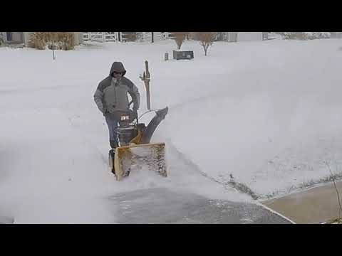 Cub Cadet 528 SWE Snow Thrower Review - Part 2