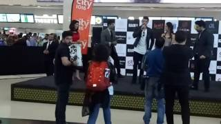 Hrithik Roshan and Yami Gautami at Vox Cinemas Dubai for Kaabil promotions