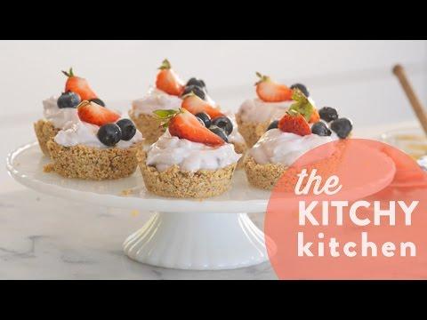 How to Make Granola Greek Yogurt Tarts // Living Deliciously with Yoplait