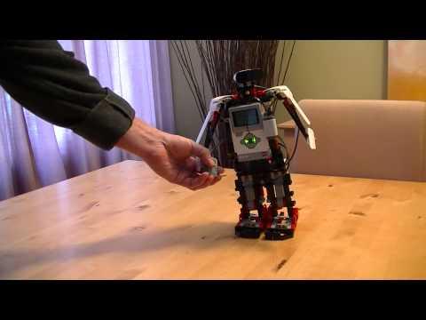 Lego Mindstorm EV3 - Walking, Talking, Joke-Telling Robot