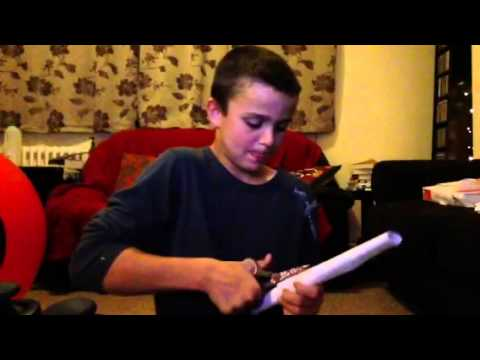 How to make assassins creed hidden knife out of paper