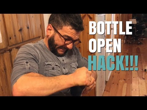 LIFE HACK - OPENING STUCK TWIST-OFF CAP (WITH RUBBER BAND)!!!