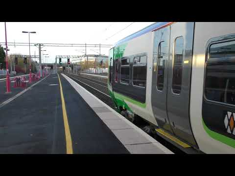 West Midlands Railways Class 323 Departing Birmingham International (17/1/18)