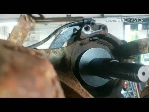 How to Repair Ford Escape 4X4 Rear Wheel Bearing,The Easy, Fast, Way