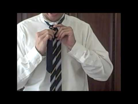 How to Tie a Full Windsor Knot | Art of Manliness