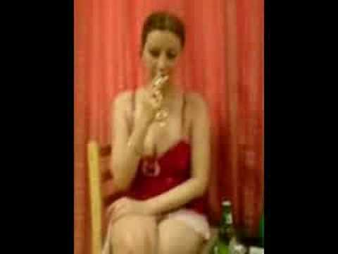 Xxx Mp4 زن لطيف پدرام در موقه شراب نوشيدن و کوس دادن Latif Pedram 3gp Sex