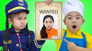Suri and Sammy Pretend Play Funny Kids Police Story