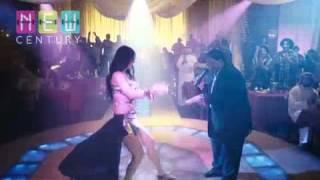 #x202b;صافيناز  افجر رقص  اللى عاجبنى فيك مع عبد الباسط حموده#x202c;lrm;