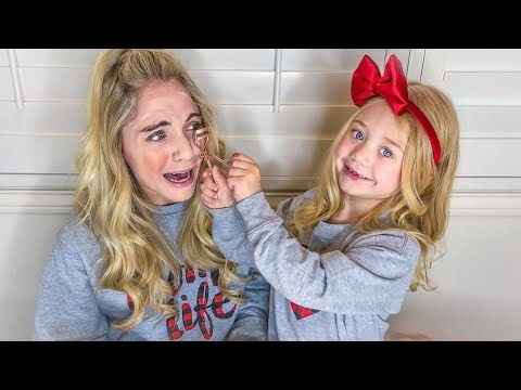I LET MY 5 YEAR OLD DAUGHTER DO MY MAKEUP FOR THE DAY!!!