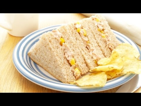 Delicious Chicken & Sweetcorn Sandwich - Perfect as Lunch or Snack.