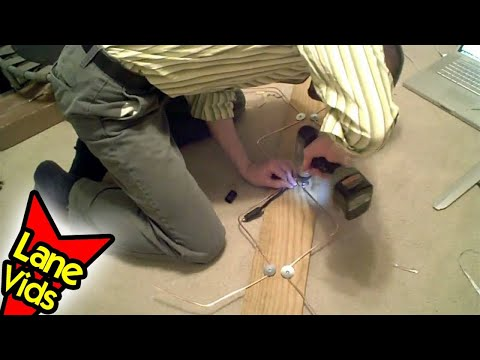 How To BUILD The BEST HDTV ANTENNA! | Homemade HDTV Antenna DIY