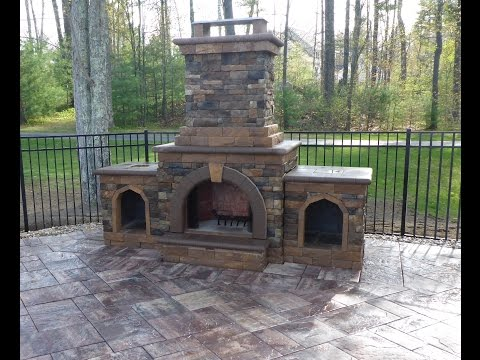 Outdoor Fireplace Construction - Time Lapse