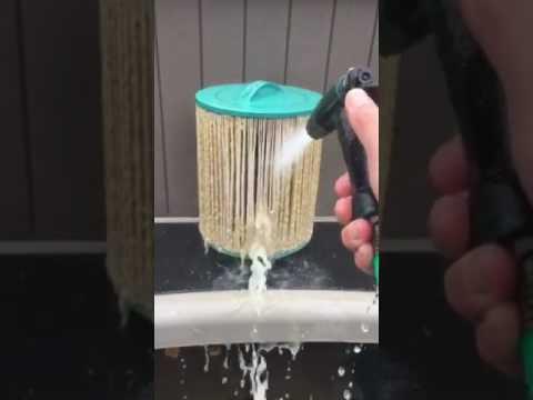 Deep clean hot tub with vinegar