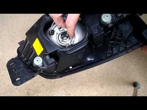 Ford Fiesta Headlight and Sidelight Bulb Change