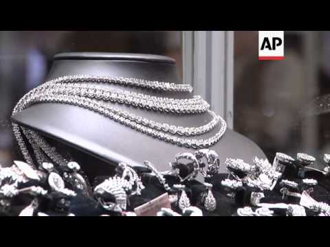 Diamonds and gems sparkle at jewellery show