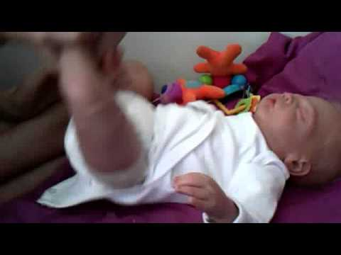 How to change your newborns nappy and tips.