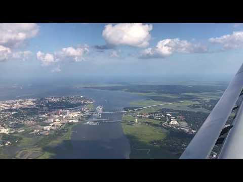 Charleston, South Carolina - Landing at Charleston International Airport HD (2017)