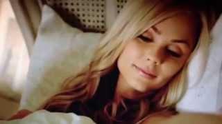 Download Nick wakes up Elena (Bitten 1x02) Video