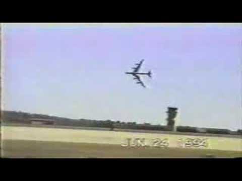 American B52 crashes at airshow