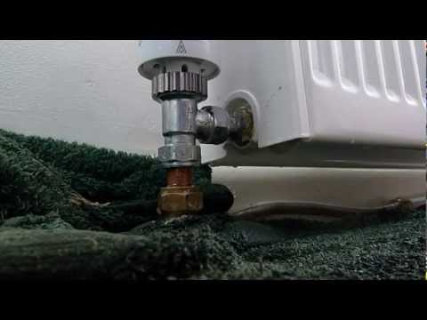 How to change a radiator valve for a thermostatic one. Save money on heating bills.