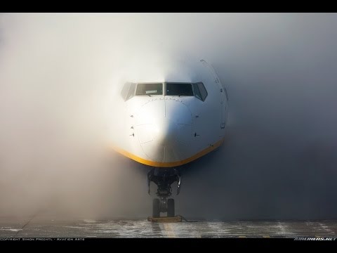 FULL FLIGHT Bergamo Orio al Serio to Palermo - Ryanair - Departure with HEAVY FOG and Cloud Surfing